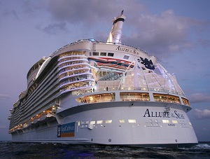 Cruise Ship Jobs The Staff And Crew Of Royal Caribbean S Allure Of The Seas Enjoy Bacardi