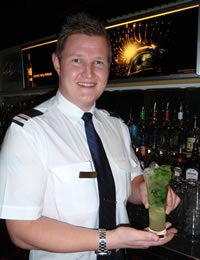 Cruise ship bar manager jobs