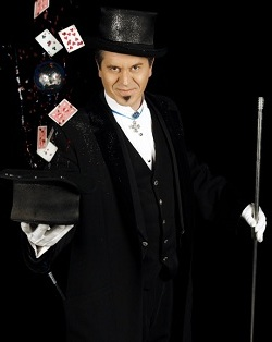 Cruise ship Guest Entertainer - Magician - Illusionist