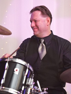 Cruise ship musician Bandmaster-Drummer