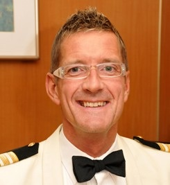 Cruise ship First Purser Administration