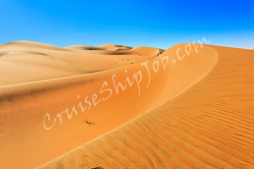 Spectacular dunes in the Liwa Desert - United Arab Emirates.